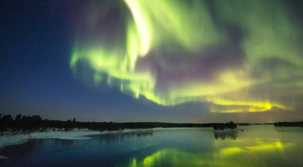 131120111207-aurora---paatsjoki-finland-horizontal-large-gallery