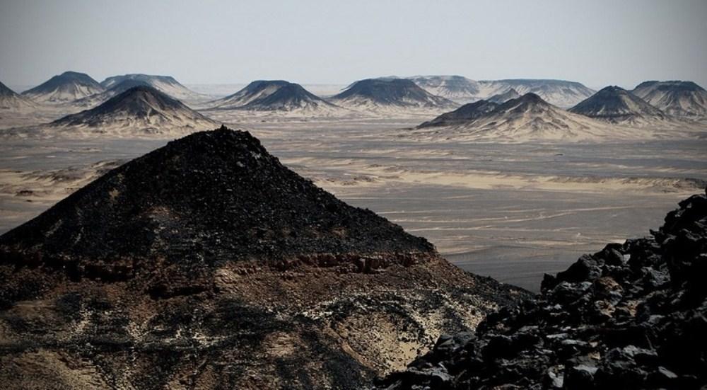 Black-Desert1-e1462119839439