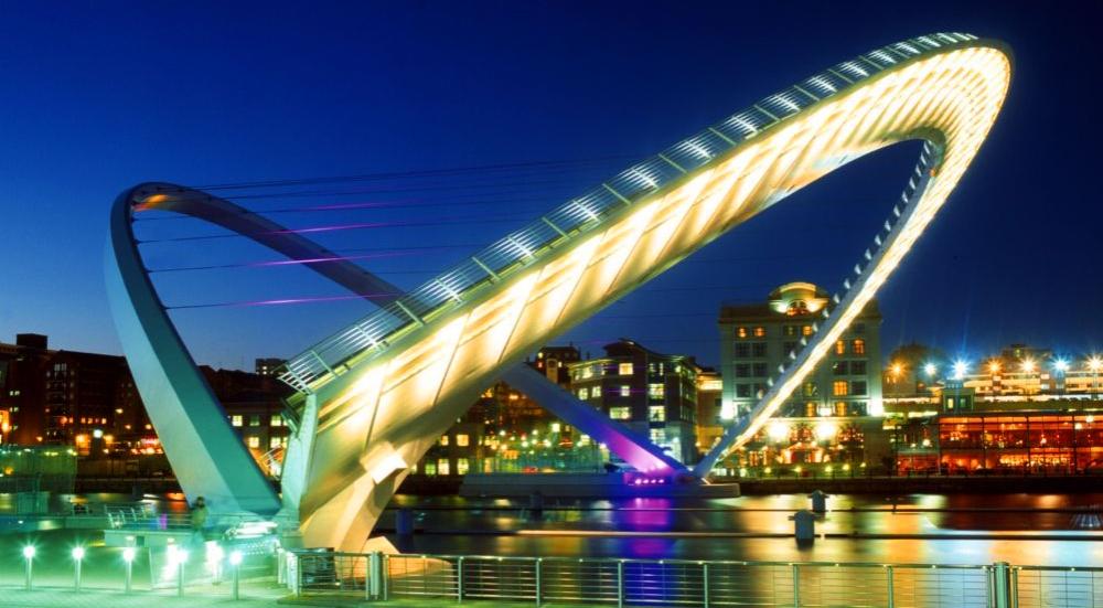 Gateshead-Millennium-Bridge-11