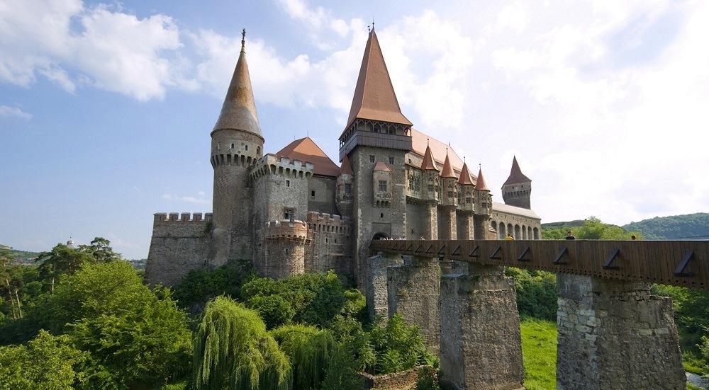 corvin_castle_hunedoara_transylvania_romania1