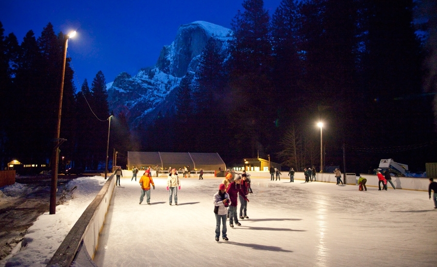 curry-village-ice-rink-12-10