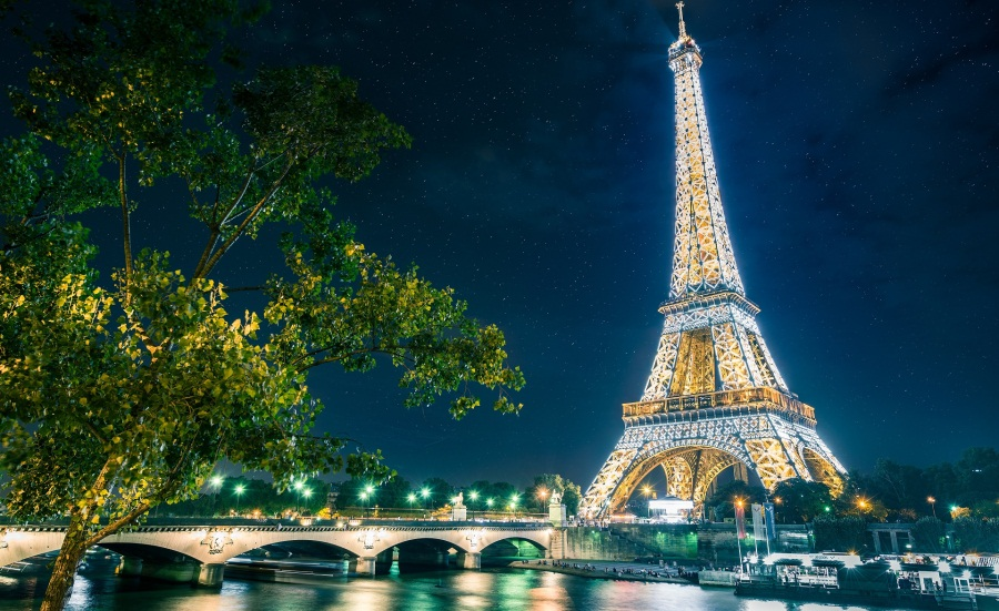 magical_paris_and_eiffel_tower_058450_
