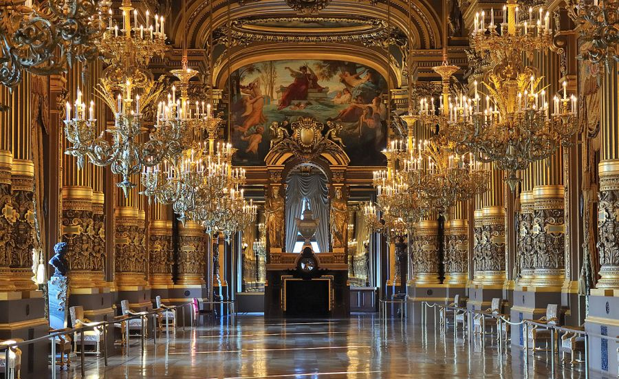 Гранд-Опера_в_Париже,_большое_фойе