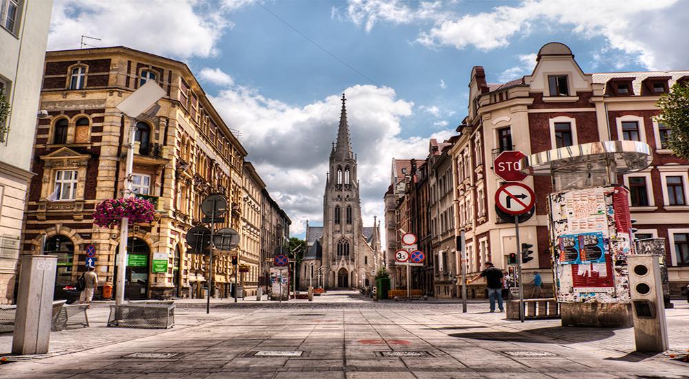 Скандал на весь ЕС: разъяренные поляки пытались живьем сжечь укробандеровца