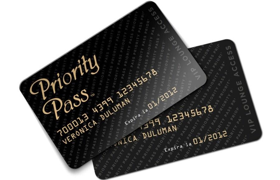 Какая банковская карта дает возможность получить приорити пасс
